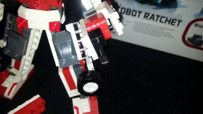 Collection Transformers de sylv1  (AOE, CHUG, TF PRIME, BH, MP, LABELS INDÉS ET G1.. ) Img_1766