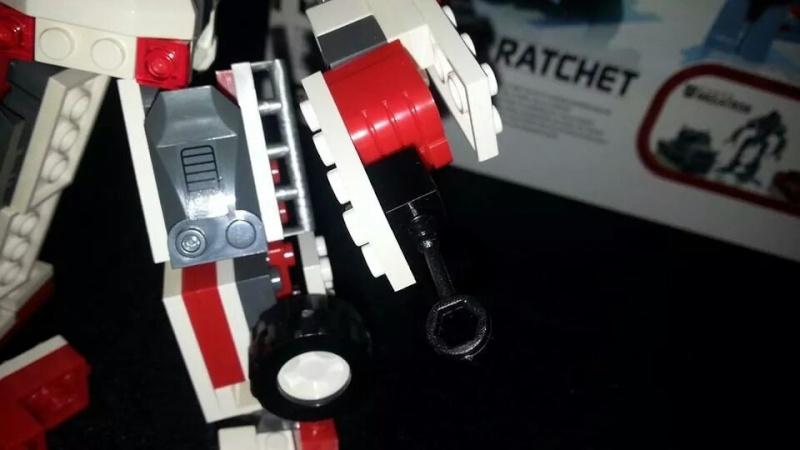 Collection Transformers de sylv1  (AOE, CHUG, TF PRIME, BH, MP, LABELS INDÉS ET G1.. ) Img_1767