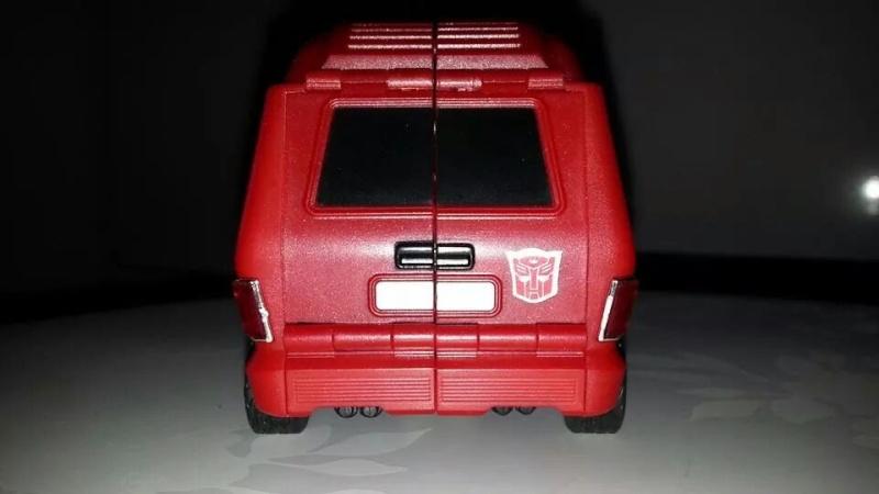 Collection Transformers de sylv1  (AOE, CHUG, TF PRIME, BH, MP, LABELS INDÉS ET G1.. ) Img_1824