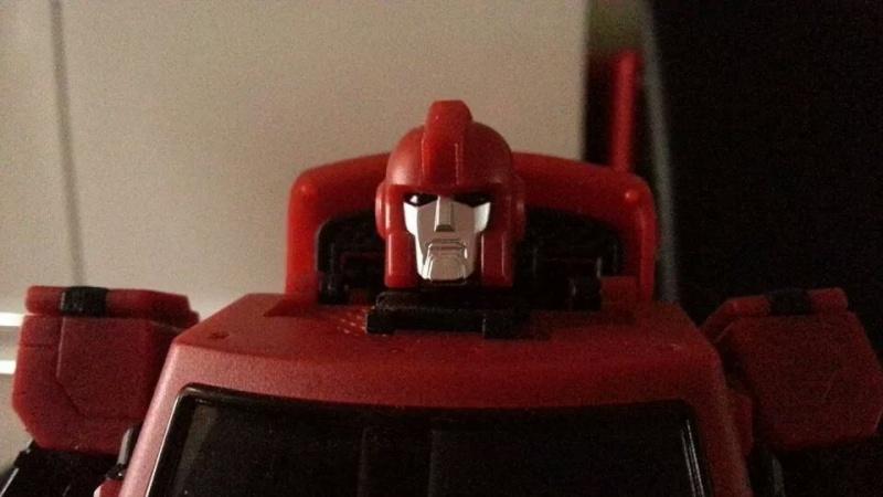 Collection Transformers de sylv1  (AOE, CHUG, TF PRIME, BH, MP, LABELS INDÉS ET G1.. ) Img_1826