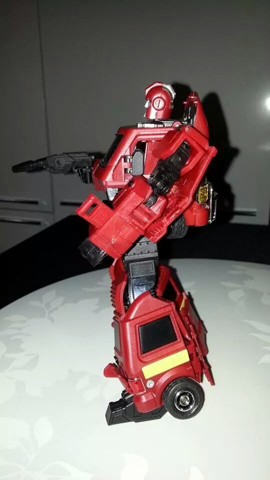 Collection Transformers de sylv1  (AOE, CHUG, TF PRIME, BH, MP, LABELS INDÉS ET G1.. ) Img_1827