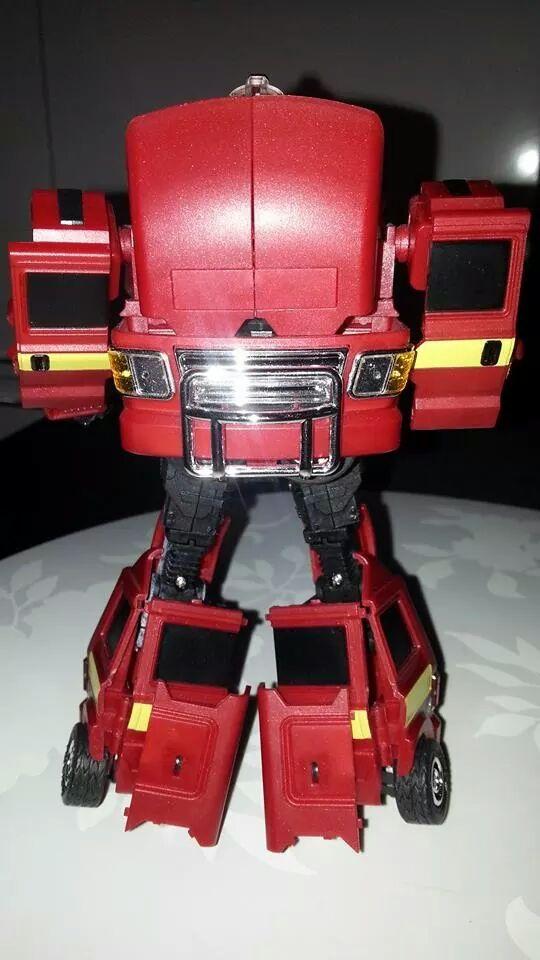Collection Transformers de sylv1  (AOE, CHUG, TF PRIME, BH, MP, LABELS INDÉS ET G1.. ) Img_1828