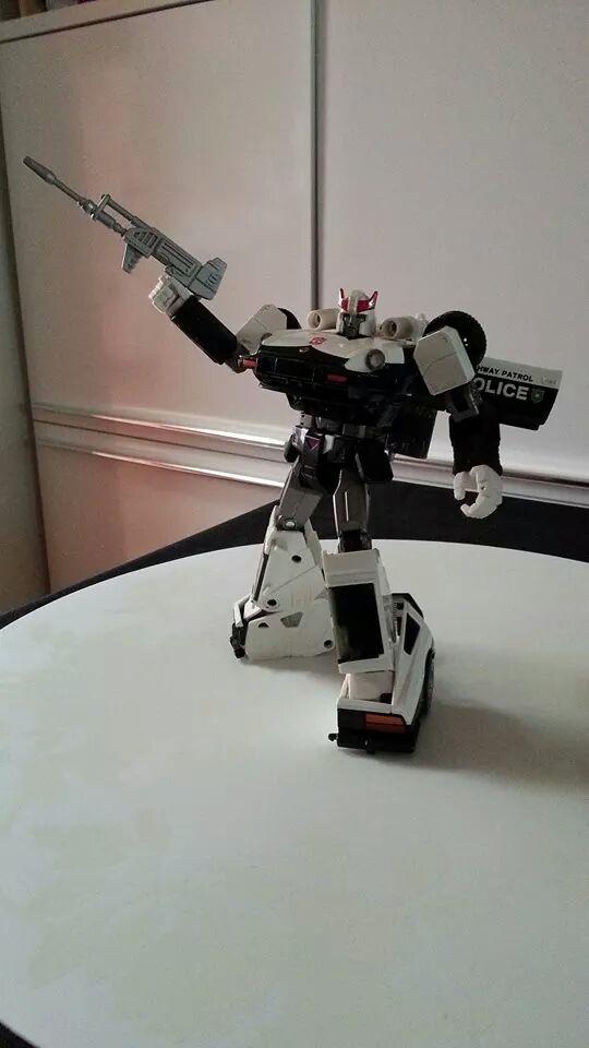 Collection Transformers de sylv1  (AOE, CHUG, TF PRIME, BH, MP, LABELS INDÉS ET G1.. ) Img_1836