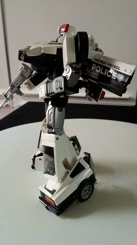 Collection Transformers de sylv1  (AOE, CHUG, TF PRIME, BH, MP, LABELS INDÉS ET G1.. ) Img_1837