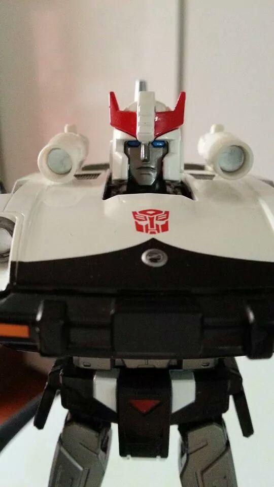 Collection Transformers de sylv1  (AOE, CHUG, TF PRIME, BH, MP, LABELS INDÉS ET G1.. ) Img_1839