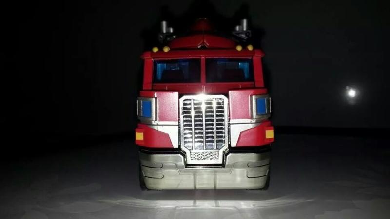 Collection Transformers de sylv1  (AOE, CHUG, TF PRIME, BH, MP, LABELS INDÉS ET G1.. ) Img_1846