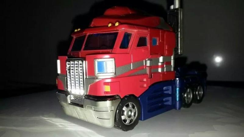 Collection Transformers de sylv1  (AOE, CHUG, TF PRIME, BH, MP, LABELS INDÉS ET G1.. ) Img_1847