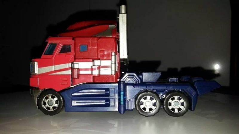 Collection Transformers de sylv1  (AOE, CHUG, TF PRIME, BH, MP, LABELS INDÉS ET G1.. ) Img_1848