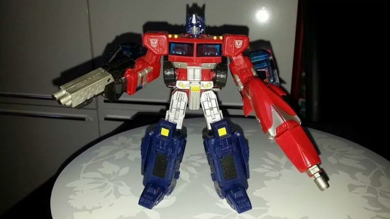Collection Transformers de sylv1  (AOE, CHUG, TF PRIME, BH, MP, LABELS INDÉS ET G1.. ) Img_1850