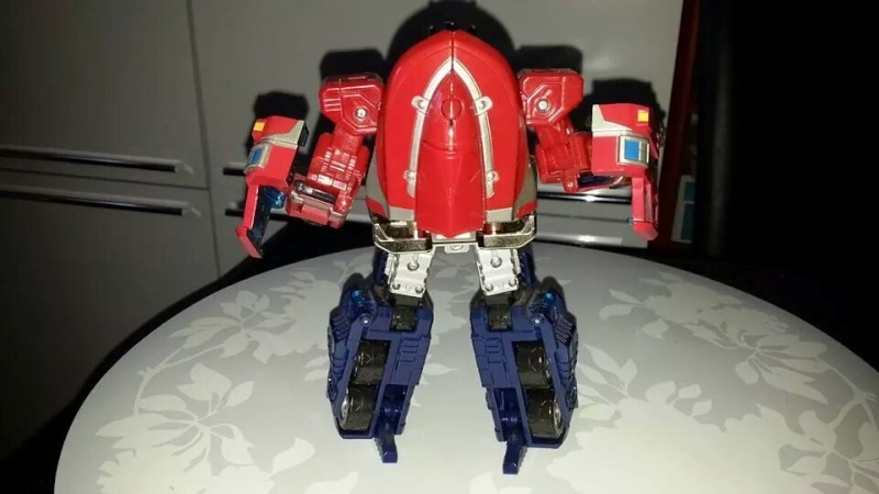 Collection Transformers de sylv1  (AOE, CHUG, TF PRIME, BH, MP, LABELS INDÉS ET G1.. ) Img_1852