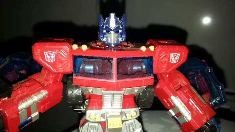 Collection Transformers de sylv1  (AOE, CHUG, TF PRIME, BH, MP, LABELS INDÉS ET G1.. ) Img_1853