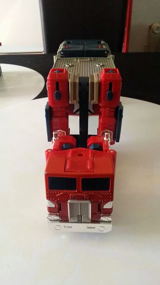 Collection Transformers de sylv1  (AOE, CHUG, TF PRIME, BH, MP, LABELS INDÉS ET G1.. ) Img_1910