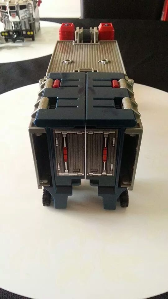 Collection Transformers de sylv1  (AOE, CHUG, TF PRIME, BH, MP, LABELS INDÉS ET G1.. ) Img_1912