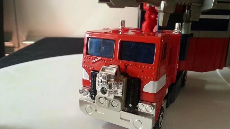 Collection Transformers de sylv1  (AOE, CHUG, TF PRIME, BH, MP, LABELS INDÉS ET G1.. ) Img_1915
