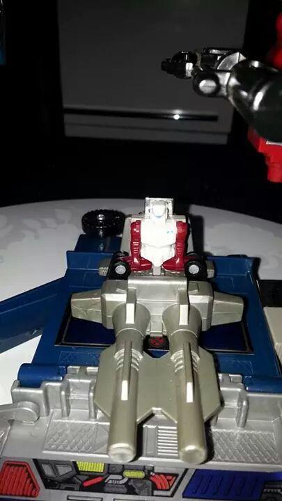 Collection Transformers de sylv1  (AOE, CHUG, TF PRIME, BH, MP, LABELS INDÉS ET G1.. ) Img_1919