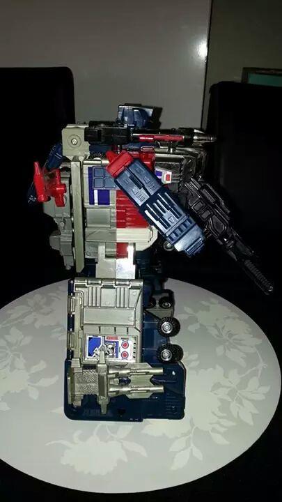 Collection Transformers de sylv1  (AOE, CHUG, TF PRIME, BH, MP, LABELS INDÉS ET G1.. ) Img_1922