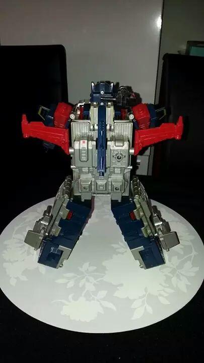 Collection Transformers de sylv1  (AOE, CHUG, TF PRIME, BH, MP, LABELS INDÉS ET G1.. ) Img_1923