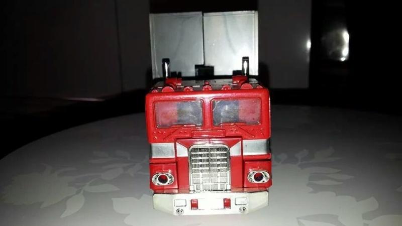 Collection Transformers de sylv1  (AOE, CHUG, TF PRIME, BH, MP, LABELS INDÉS ET G1.. ) Img_1925