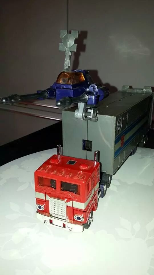 Collection Transformers de sylv1  (AOE, CHUG, TF PRIME, BH, MP, LABELS INDÉS ET G1.. ) Img_1927