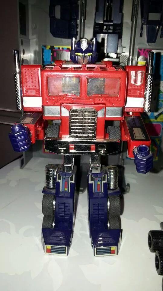 Collection Transformers de sylv1  (AOE, CHUG, TF PRIME, BH, MP, LABELS INDÉS ET G1.. ) Img_1931