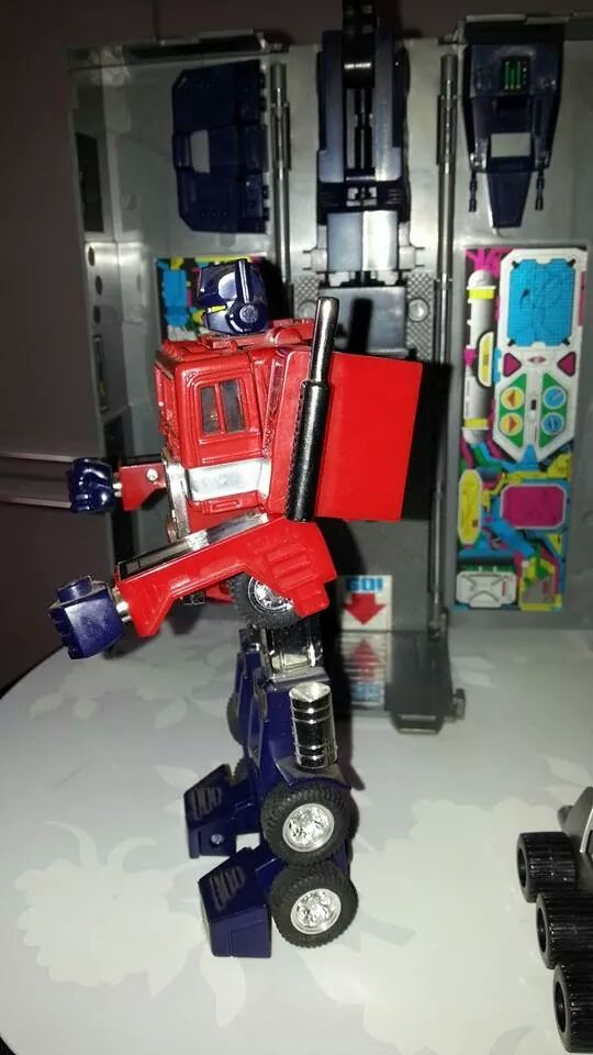 Collection Transformers de sylv1  (AOE, CHUG, TF PRIME, BH, MP, LABELS INDÉS ET G1.. ) Img_1932