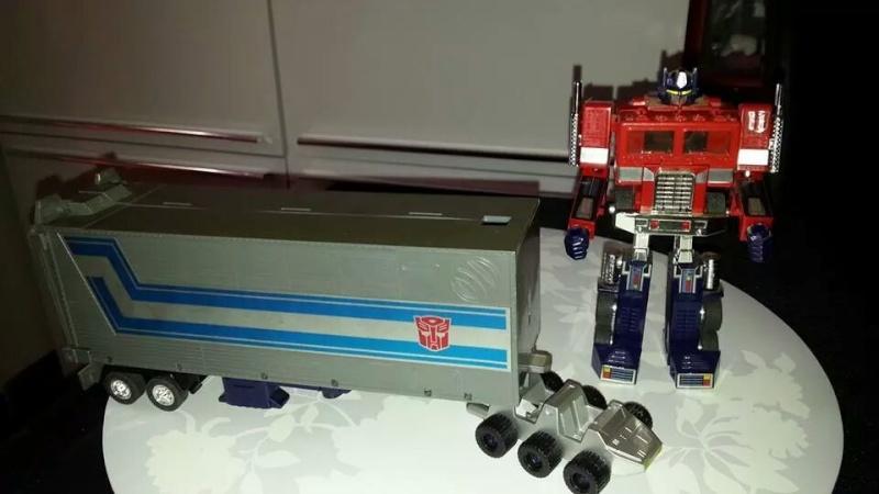 Collection Transformers de sylv1  (AOE, CHUG, TF PRIME, BH, MP, LABELS INDÉS ET G1.. ) Img_1934