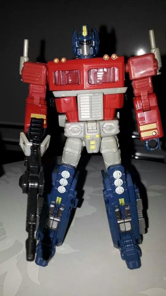 Collection Transformers de sylv1  (AOE, CHUG, TF PRIME, BH, MP, LABELS INDÉS ET G1.. ) Img_2124