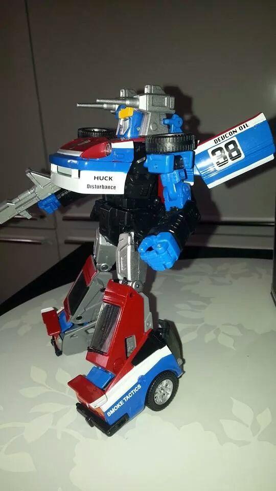 Collection Transformers de sylv1  (AOE, CHUG, TF PRIME, BH, MP, LABELS INDÉS ET G1.. ) Img_2140