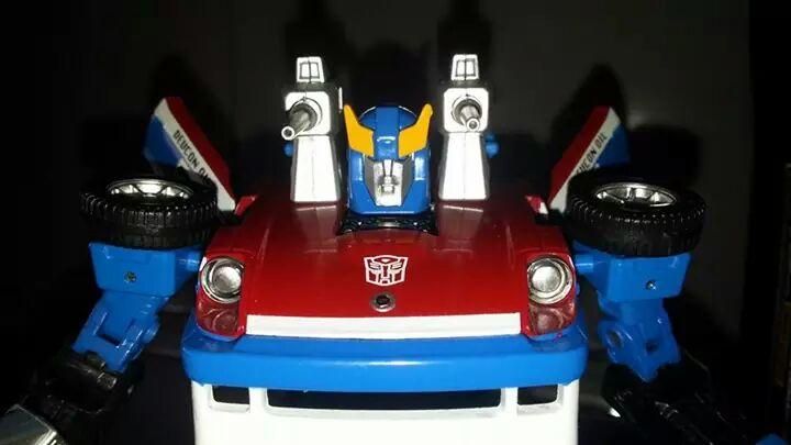 Collection Transformers de sylv1  (AOE, CHUG, TF PRIME, BH, MP, LABELS INDÉS ET G1.. ) Img_2143