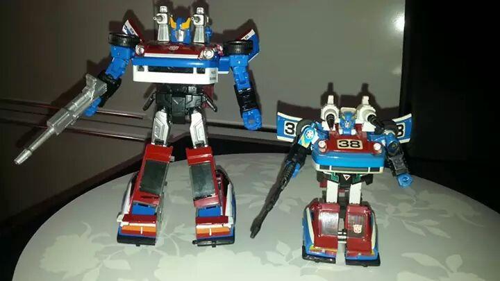 Collection Transformers de sylv1  (AOE, CHUG, TF PRIME, BH, MP, LABELS INDÉS ET G1.. ) Img_2144