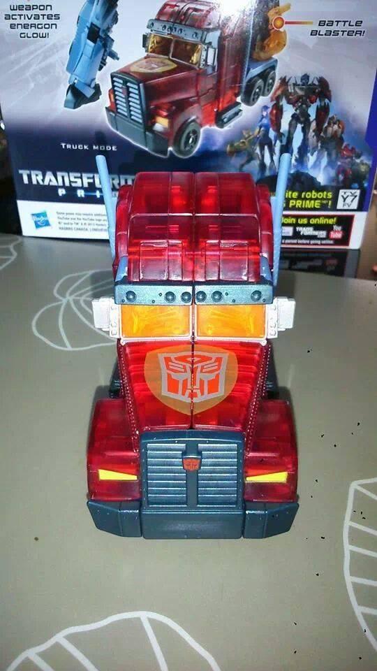 Collection Transformers de sylv1  (AOE, CHUG, TF PRIME, BH, MP, LABELS INDÉS ET G1.. ) Img_2216