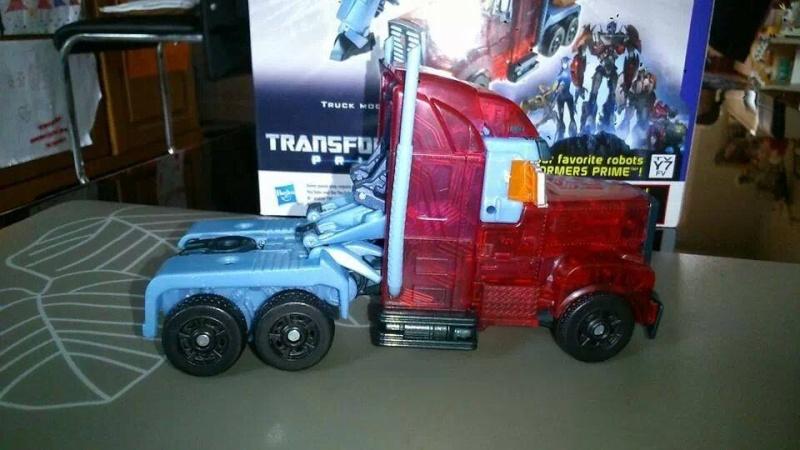 Collection Transformers de sylv1  (AOE, CHUG, TF PRIME, BH, MP, LABELS INDÉS ET G1.. ) Img_2217