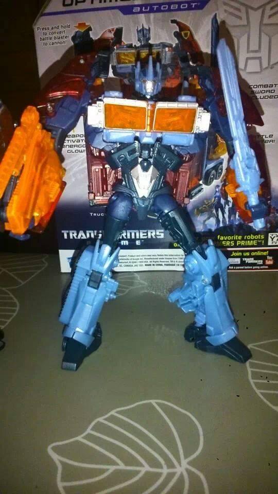 Collection Transformers de sylv1  (AOE, CHUG, TF PRIME, BH, MP, LABELS INDÉS ET G1.. ) Img_2219