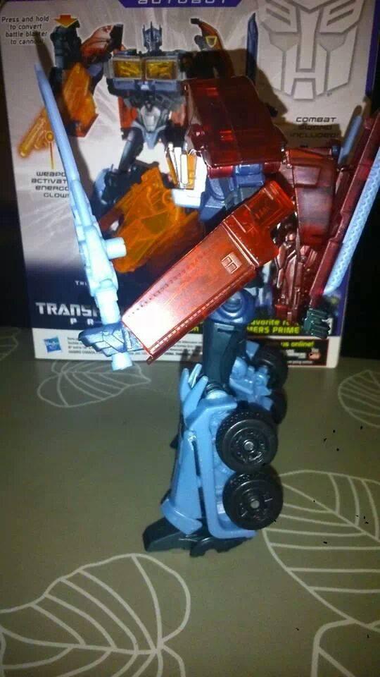 Collection Transformers de sylv1  (AOE, CHUG, TF PRIME, BH, MP, LABELS INDÉS ET G1.. ) Img_2220
