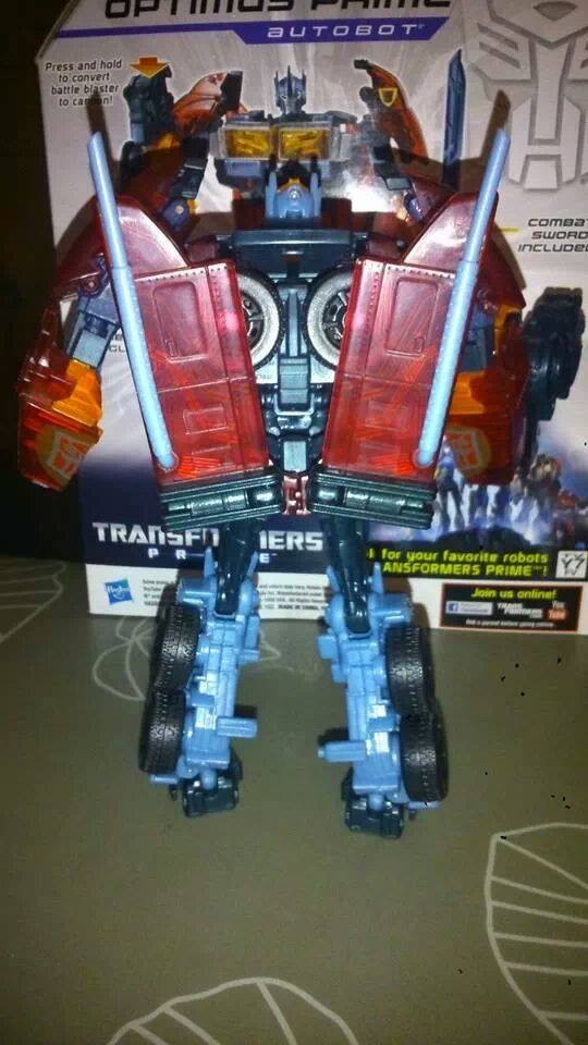 Collection Transformers de sylv1  (AOE, CHUG, TF PRIME, BH, MP, LABELS INDÉS ET G1.. ) Img_2221