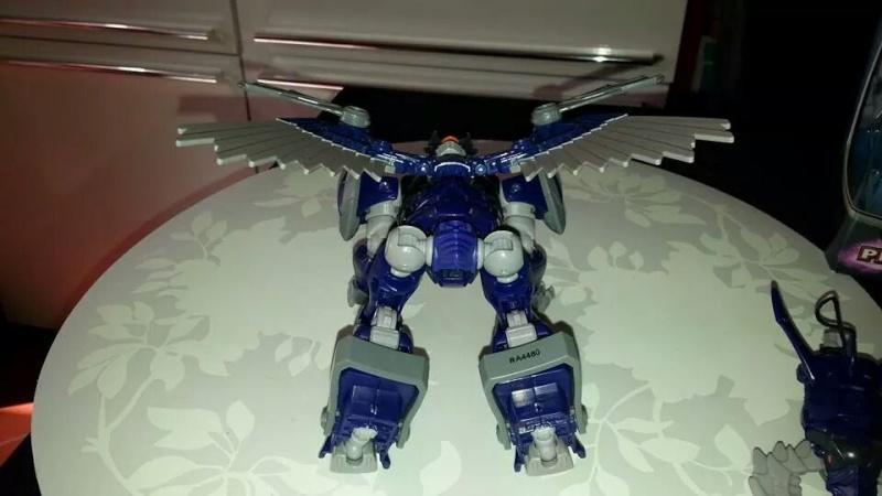 Collection Transformers de sylv1  (AOE, CHUG, TF PRIME, BH, MP, LABELS INDÉS ET G1.. ) Img_2228