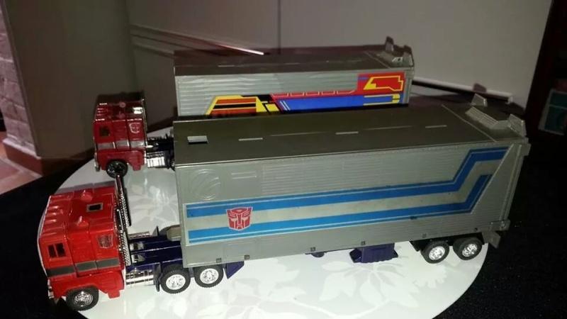 Collection Transformers de sylv1  (AOE, CHUG, TF PRIME, BH, MP, LABELS INDÉS ET G1.. ) Img_2411