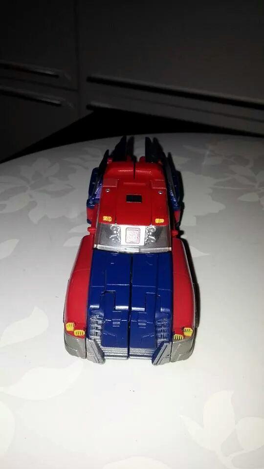 Collection Transformers de sylv1  (AOE, CHUG, TF PRIME, BH, MP, LABELS INDÉS ET G1.. ) Img_2711