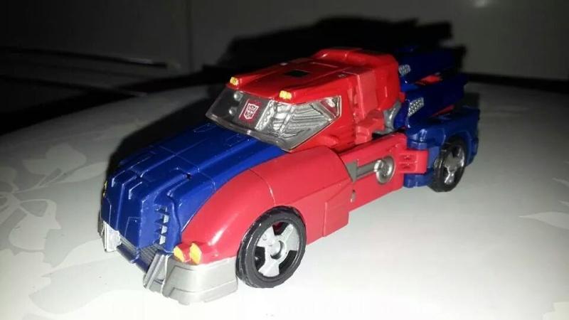 Collection Transformers de sylv1  (AOE, CHUG, TF PRIME, BH, MP, LABELS INDÉS ET G1.. ) Img_2713