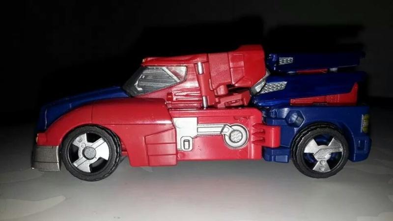 Collection Transformers de sylv1  (AOE, CHUG, TF PRIME, BH, MP, LABELS INDÉS ET G1.. ) Img_2714