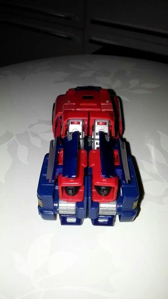 Collection Transformers de sylv1  (AOE, CHUG, TF PRIME, BH, MP, LABELS INDÉS ET G1.. ) Img_2715