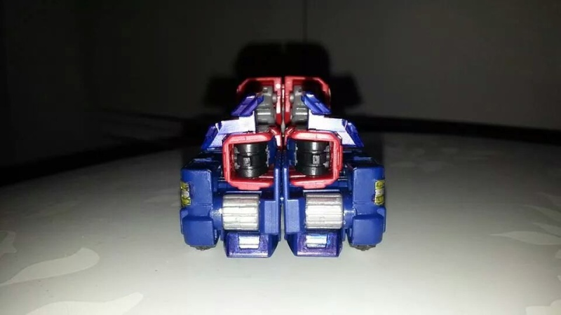 Collection Transformers de sylv1  (AOE, CHUG, TF PRIME, BH, MP, LABELS INDÉS ET G1.. ) Img_2716