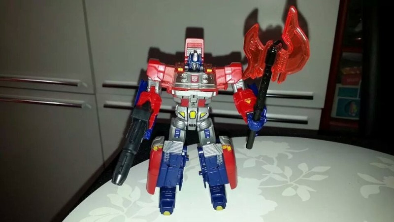 Collection Transformers de sylv1  (AOE, CHUG, TF PRIME, BH, MP, LABELS INDÉS ET G1.. ) Img_2717