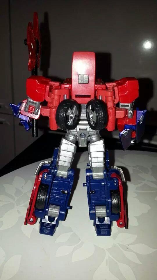 Collection Transformers de sylv1  (AOE, CHUG, TF PRIME, BH, MP, LABELS INDÉS ET G1.. ) Img_2719