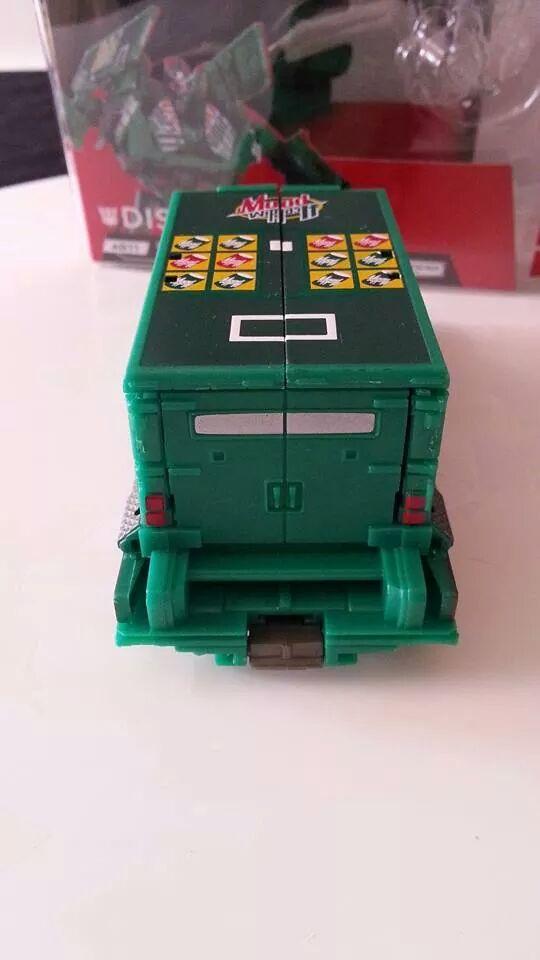 Collection Transformers de sylv1  (AOE, CHUG, TF PRIME, BH, MP, LABELS INDÉS ET G1.. ) Img_7814