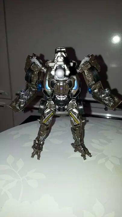 Collection Transformers de sylv1  (AOE, CHUG, TF PRIME, BH, MP, LABELS INDÉS ET G1.. ) Img_8235