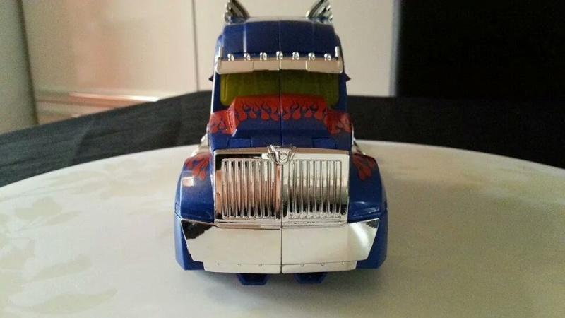Collection Transformers de sylv1  (AOE, CHUG, TF PRIME, BH, MP, LABELS INDÉS ET G1.. ) Img_8610