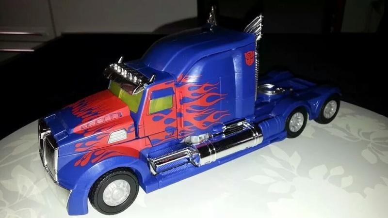 Collection Transformers de sylv1  (AOE, CHUG, TF PRIME, BH, MP, LABELS INDÉS ET G1.. ) Img_8612