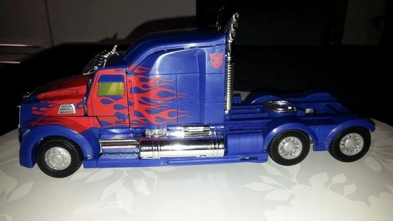 Collection Transformers de sylv1  (AOE, CHUG, TF PRIME, BH, MP, LABELS INDÉS ET G1.. ) Img_8613