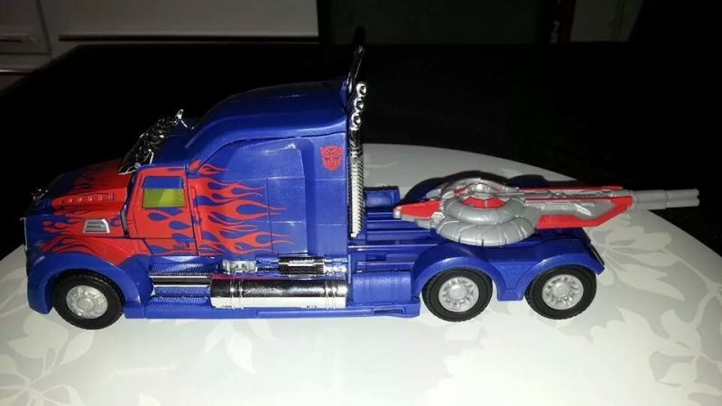 Collection Transformers de sylv1  (AOE, CHUG, TF PRIME, BH, MP, LABELS INDÉS ET G1.. ) Img_8614
